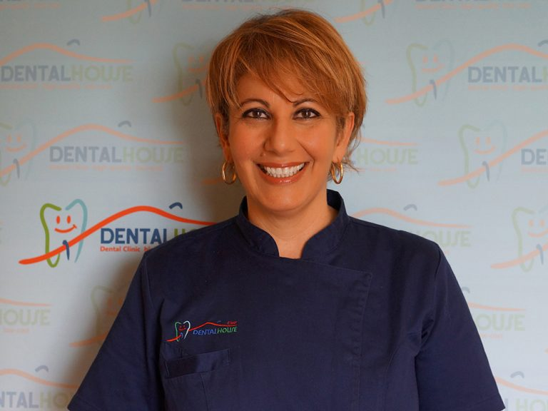 Rosamaria Carbone dentista alla clinica per bambini Dental House Kids